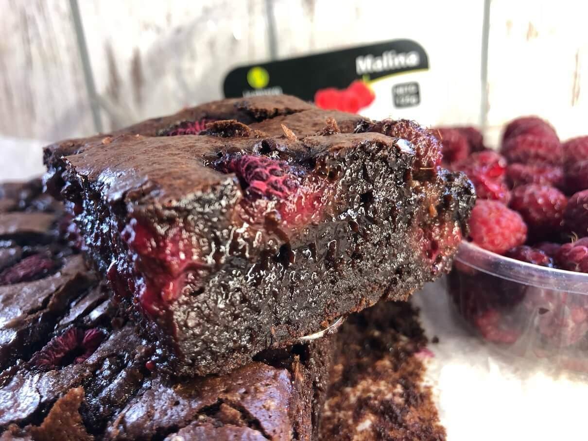 brauni-maline-čokolada-slatkiš-dezert-Iceberg Salat Centar